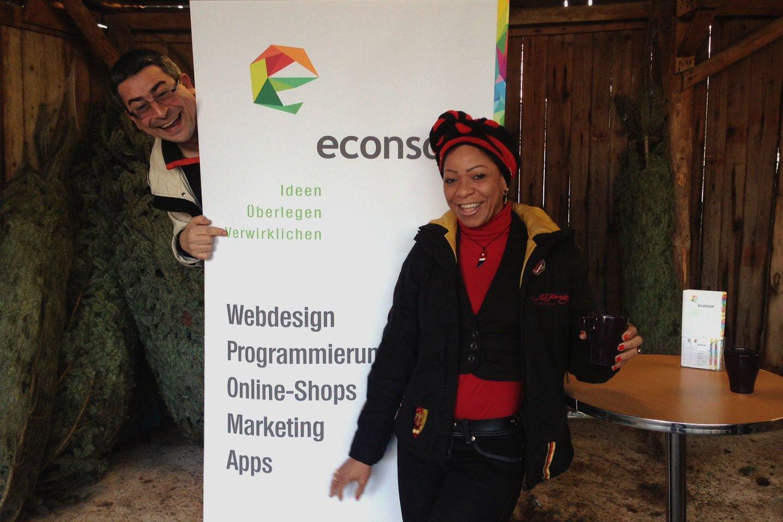 econsor verschenkt Weihnachtsbäume